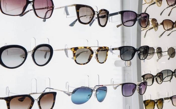 fornecedores de óculos de sol